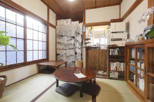 センジュ出版 ブックカフェ SENJU PLACE